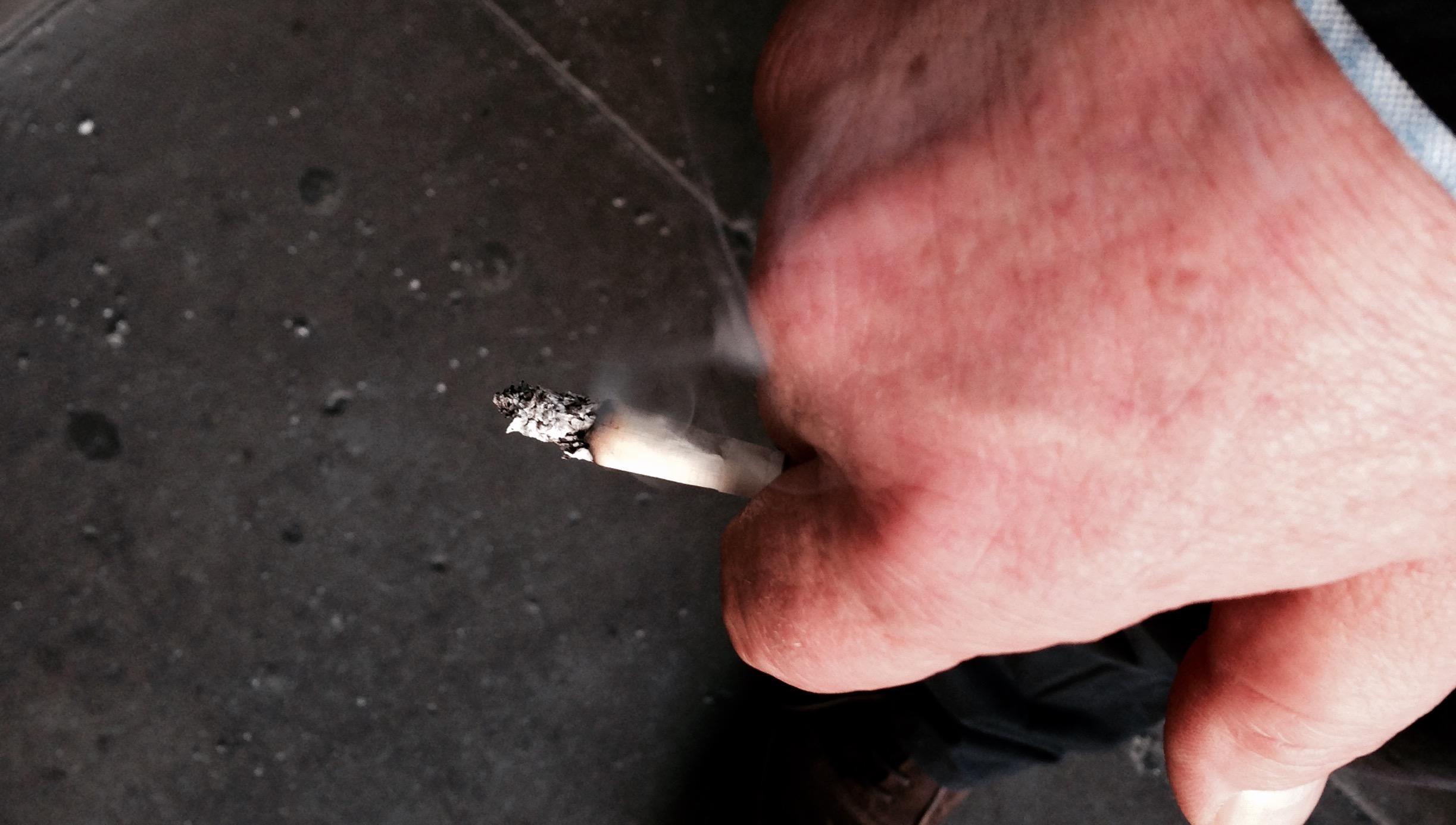 Dr Morton's - cigarette