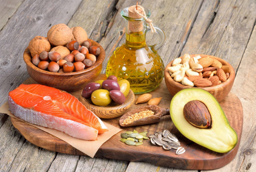 Sources of healthy fats - nuts, olives, fish, avocado